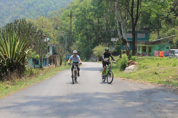 Day 1: Gentle climb to Phadamchen