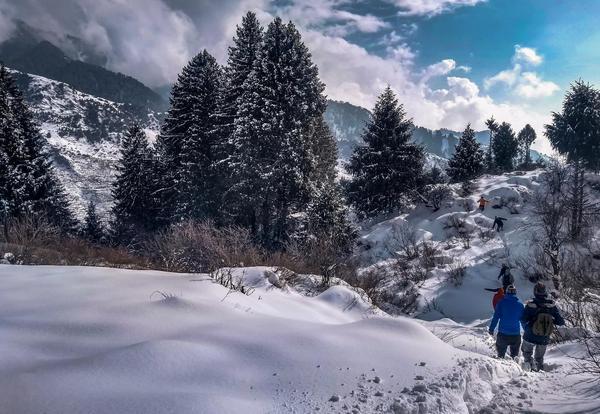 Rajgundha valley snow trek