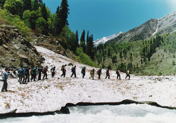 Trekking in Tirthan valley
