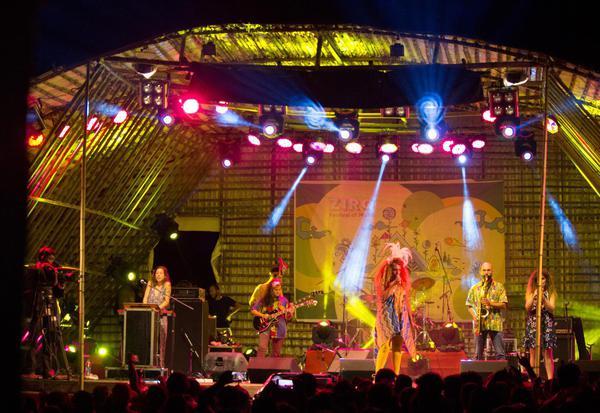 Bint El Funk performing live at ZFM